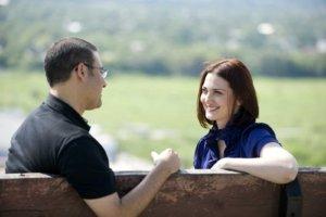 Twee mensen in gesprek voor coaching